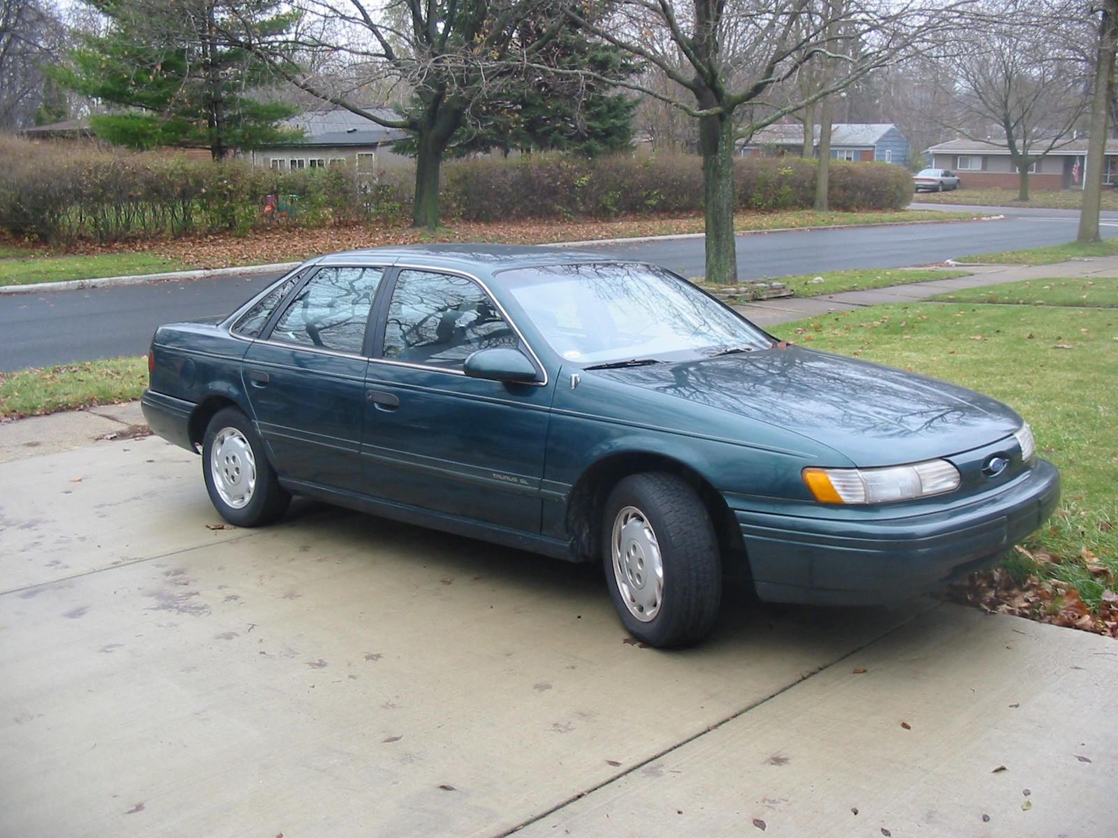 Ford Taurus 1993 photo - 1
