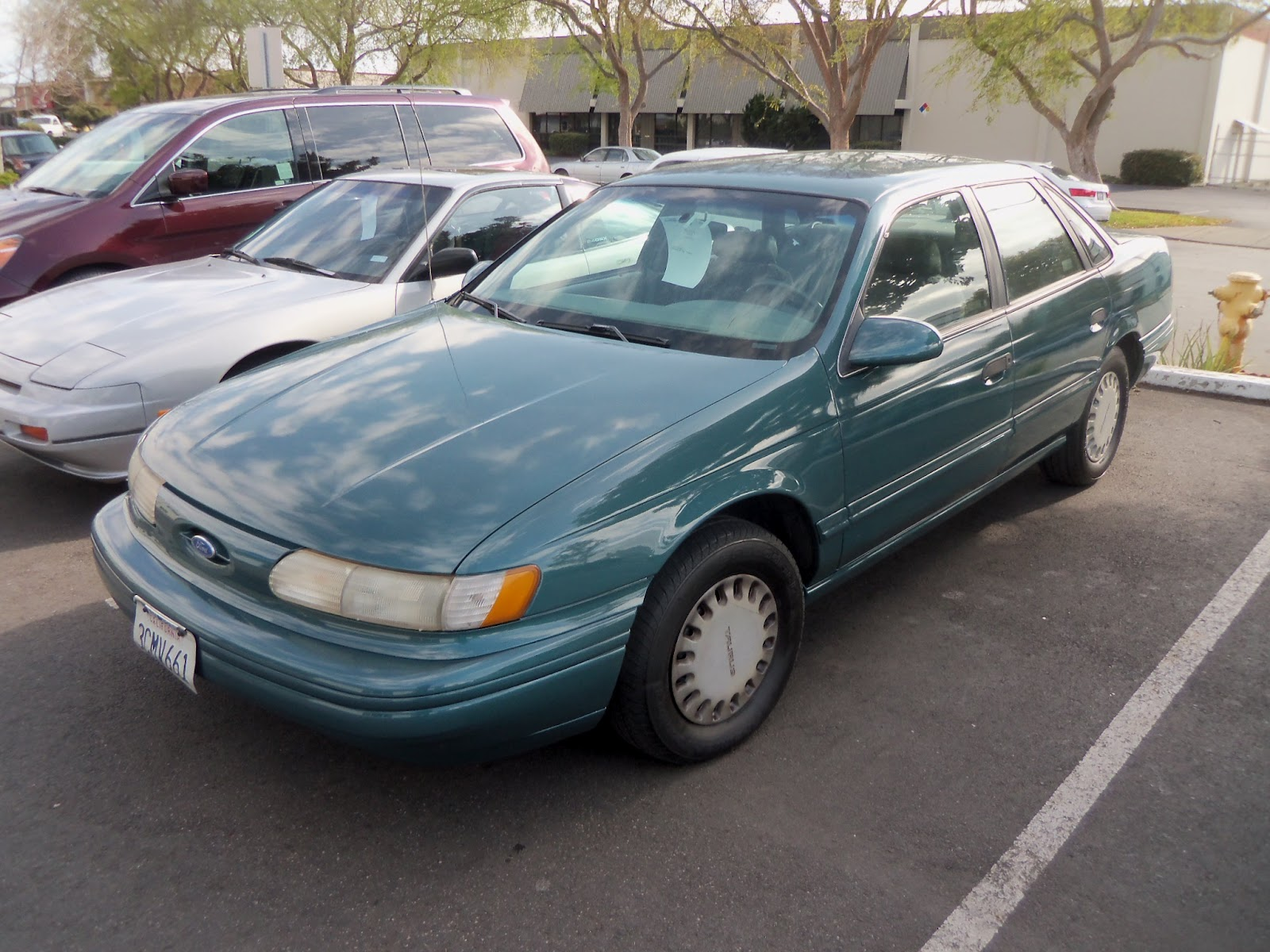 Ford Taurus 1993 photo - 3