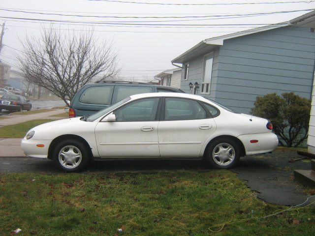 Ford Taurus 1998 photo - 5