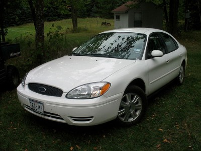 Ford Taurus 2005 photo - 3