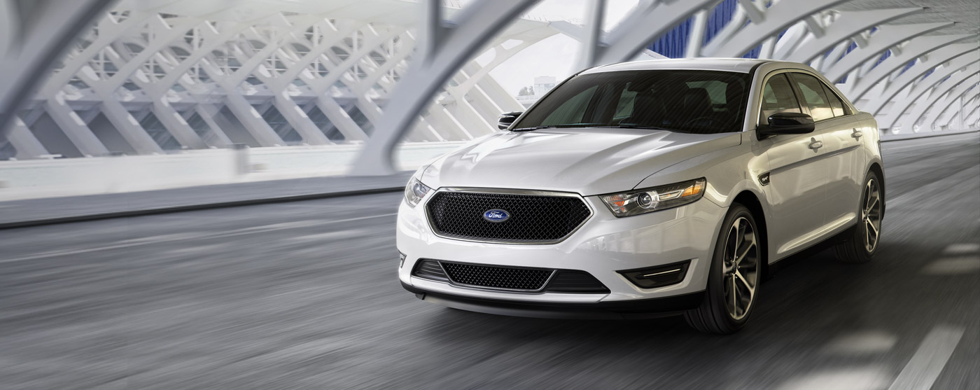 Ford Taurus 2015 photo - 10