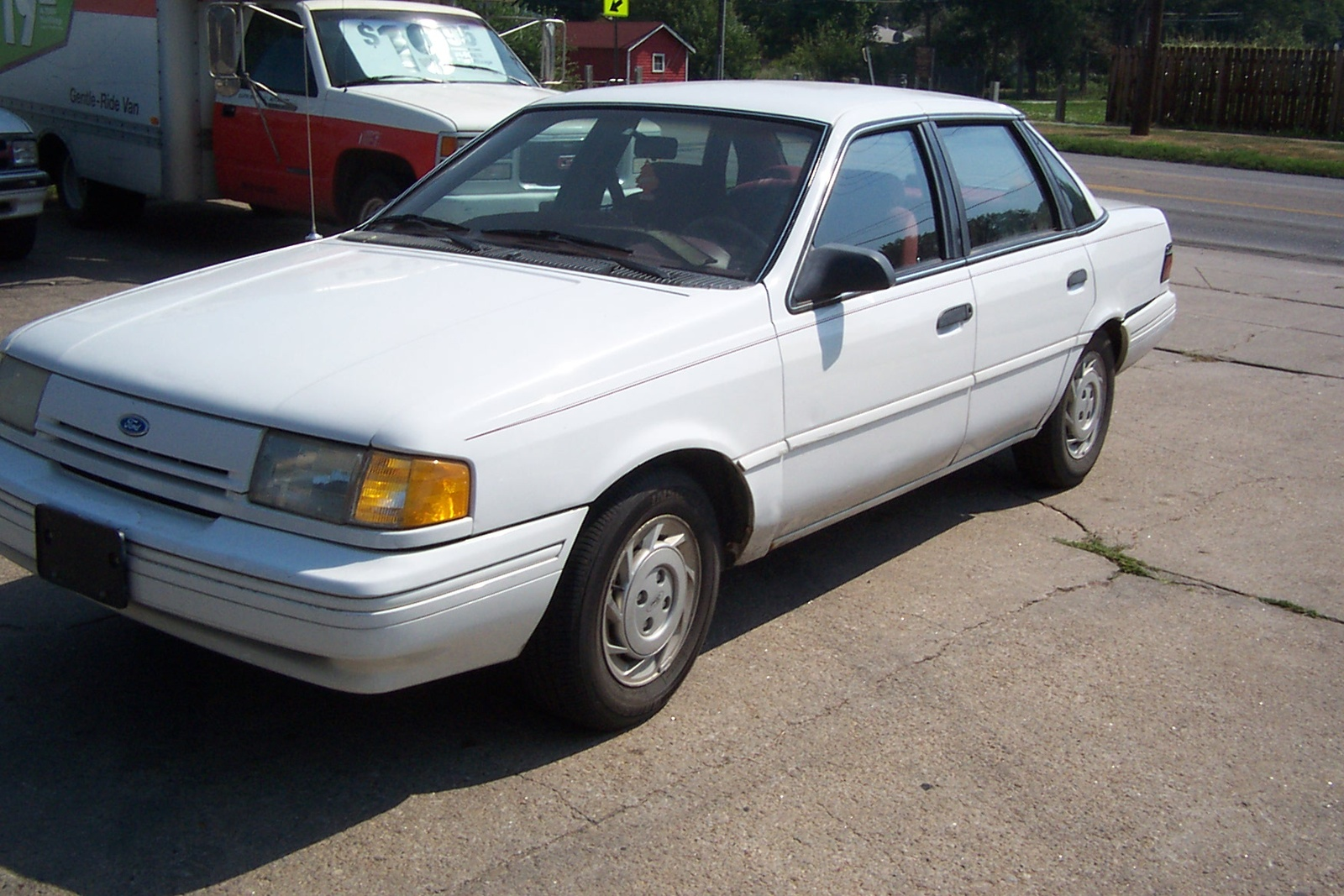 Ford Topaz 1990 photo - 5