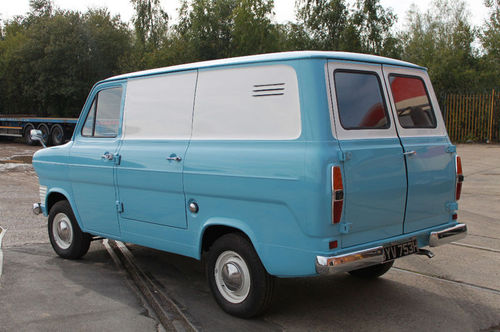 Ford Transit 1970 photo - 10