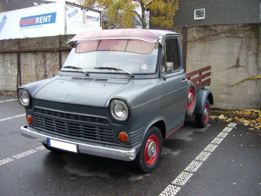Ford Transit 1970 photo - 5