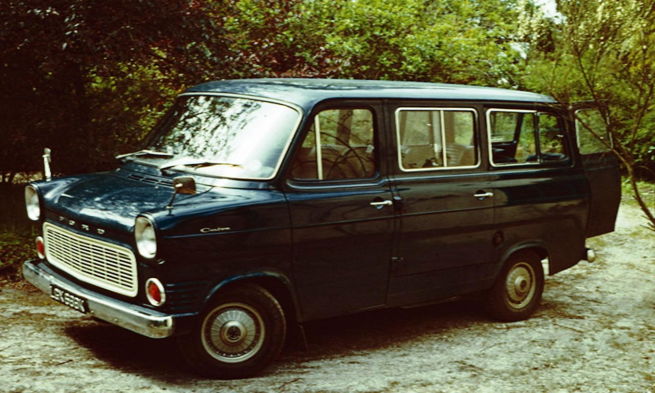 Ford Transit 1972 photo - 7