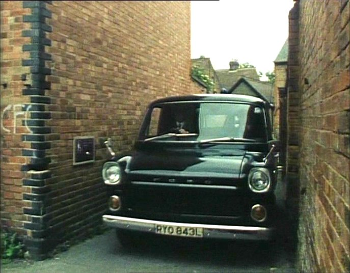 Ford Transit 1977 photo - 8