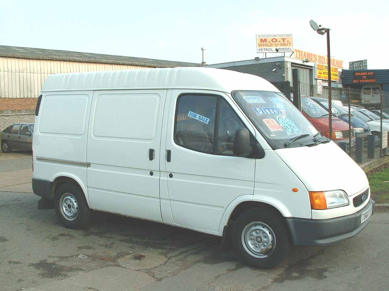 Ford Transit 1999 photo - 1