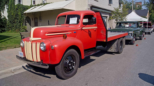 Ford Truck 1942 photo - 4