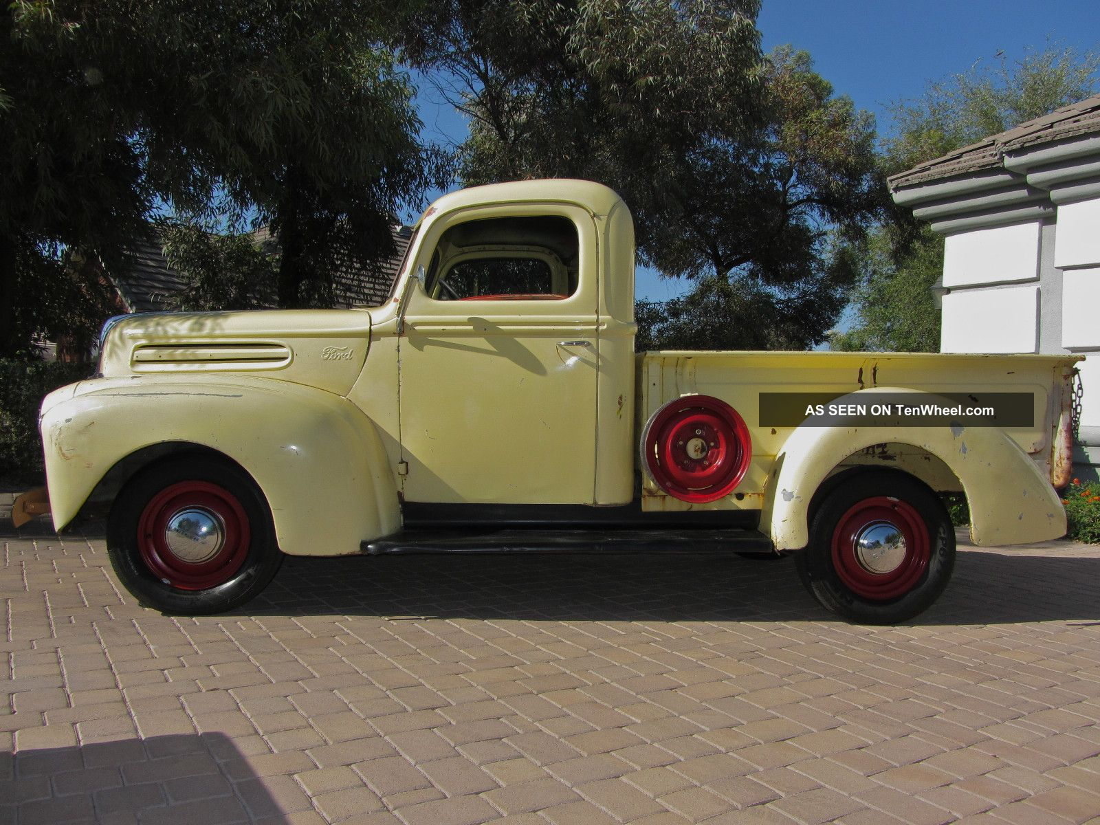 Ford Truck 1945 photo - 3