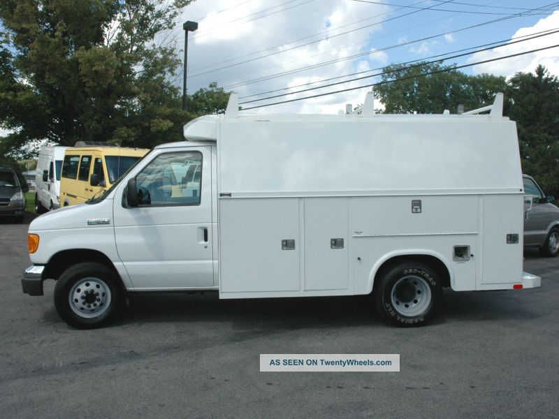 Ford Van 2007 photo - 3