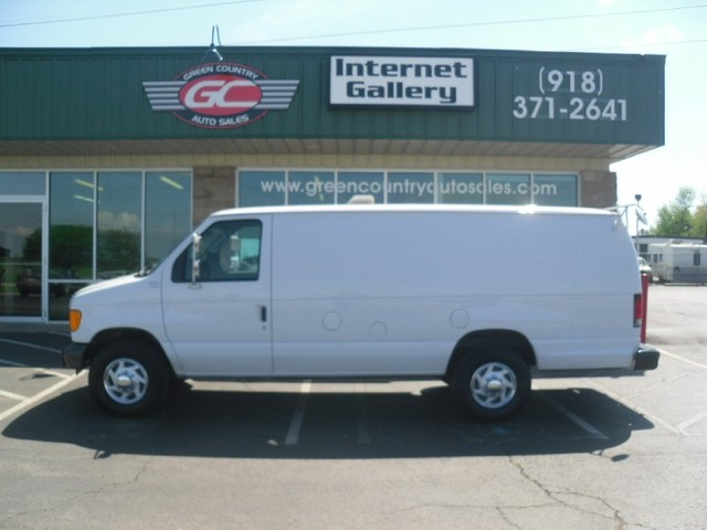 Ford Van 2007 photo - 6