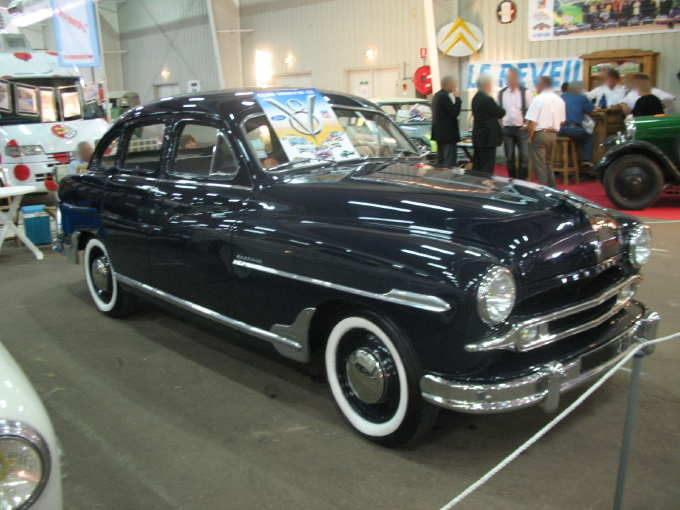 Ford Vedette 1952 photo - 8