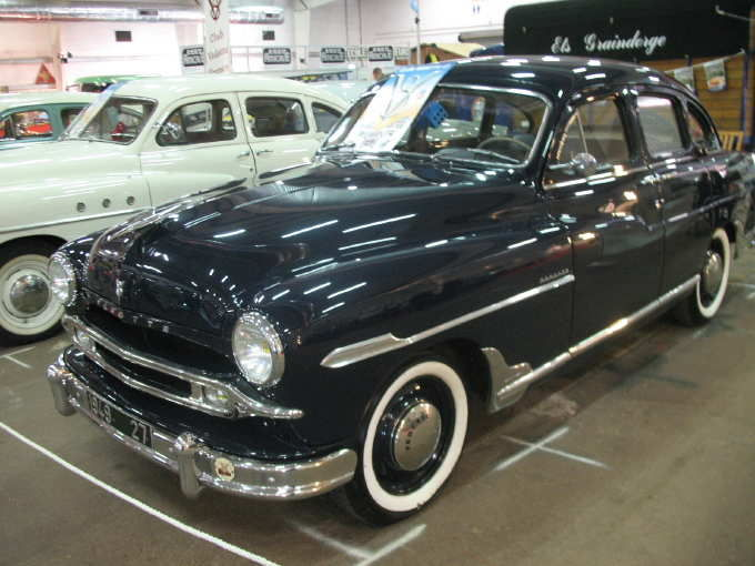 Ford Vedette 1953 photo - 9