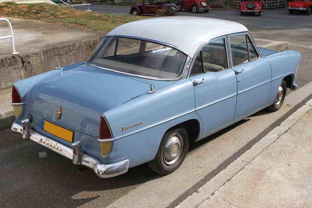 Ford Versailles 1955 photo - 1