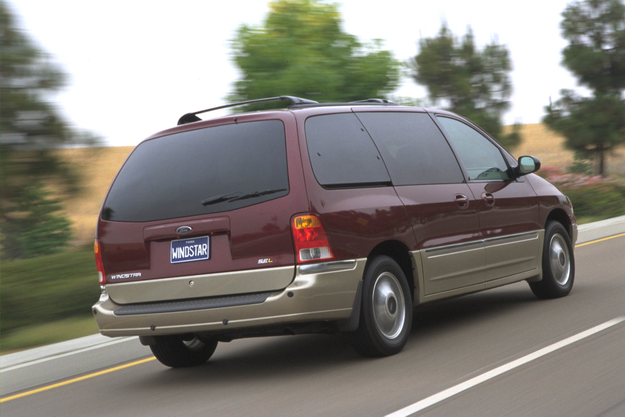 Ford Windstar 2005 Review Amazing Pictures And Images