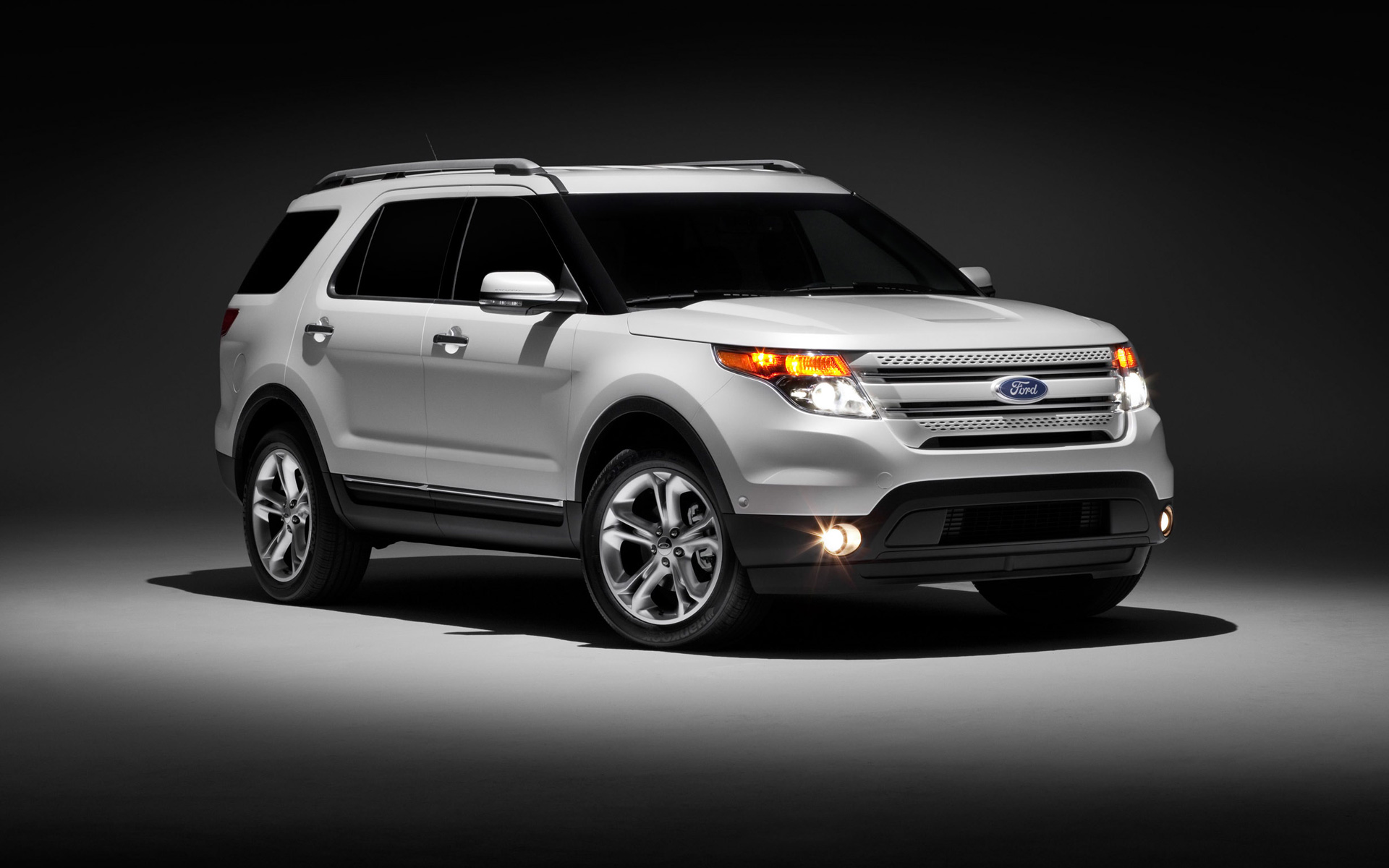 Ford XLT 2011 photo - 2