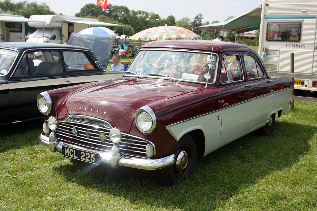 Ford Zodiac 1958 photo - 2