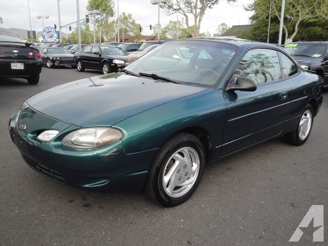 Ford Zx2 2001 photo - 1