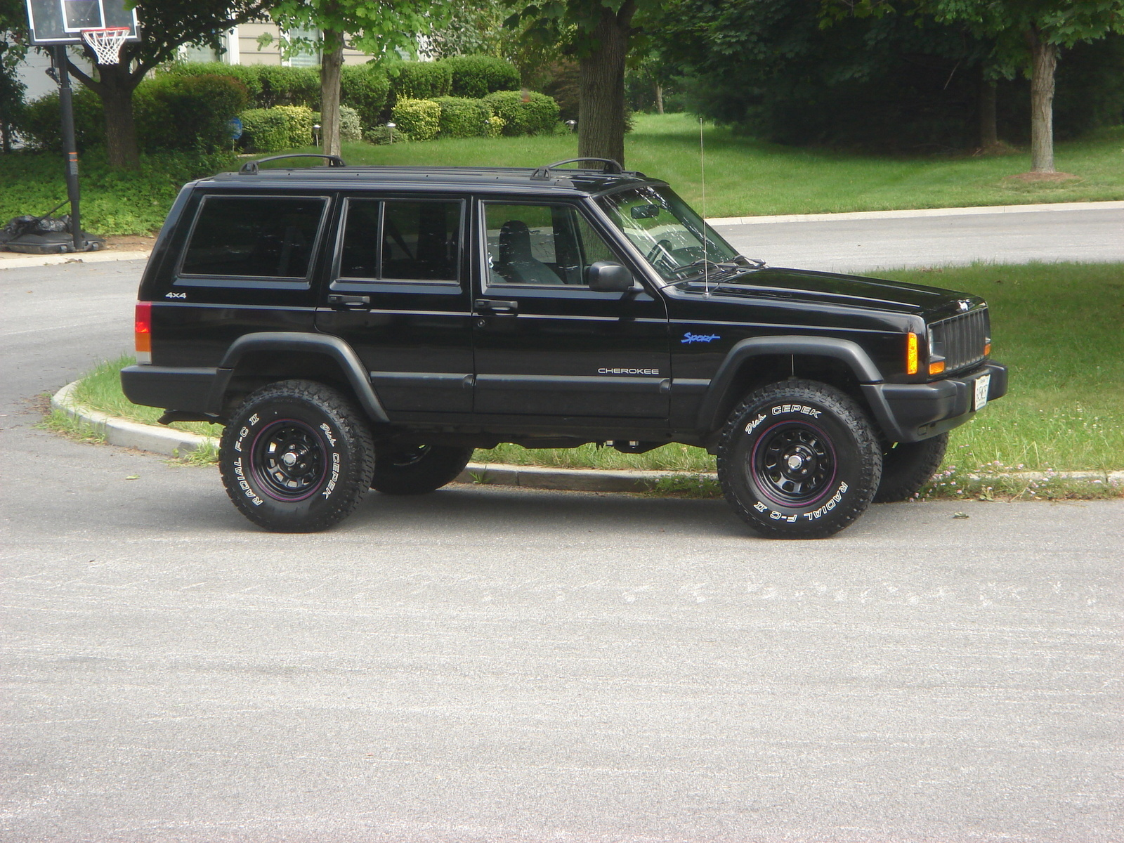 Jeep Cherokee 1997 photo - 2