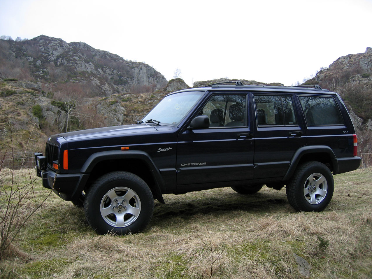 Jeep Cherokee 1998 photo - 1