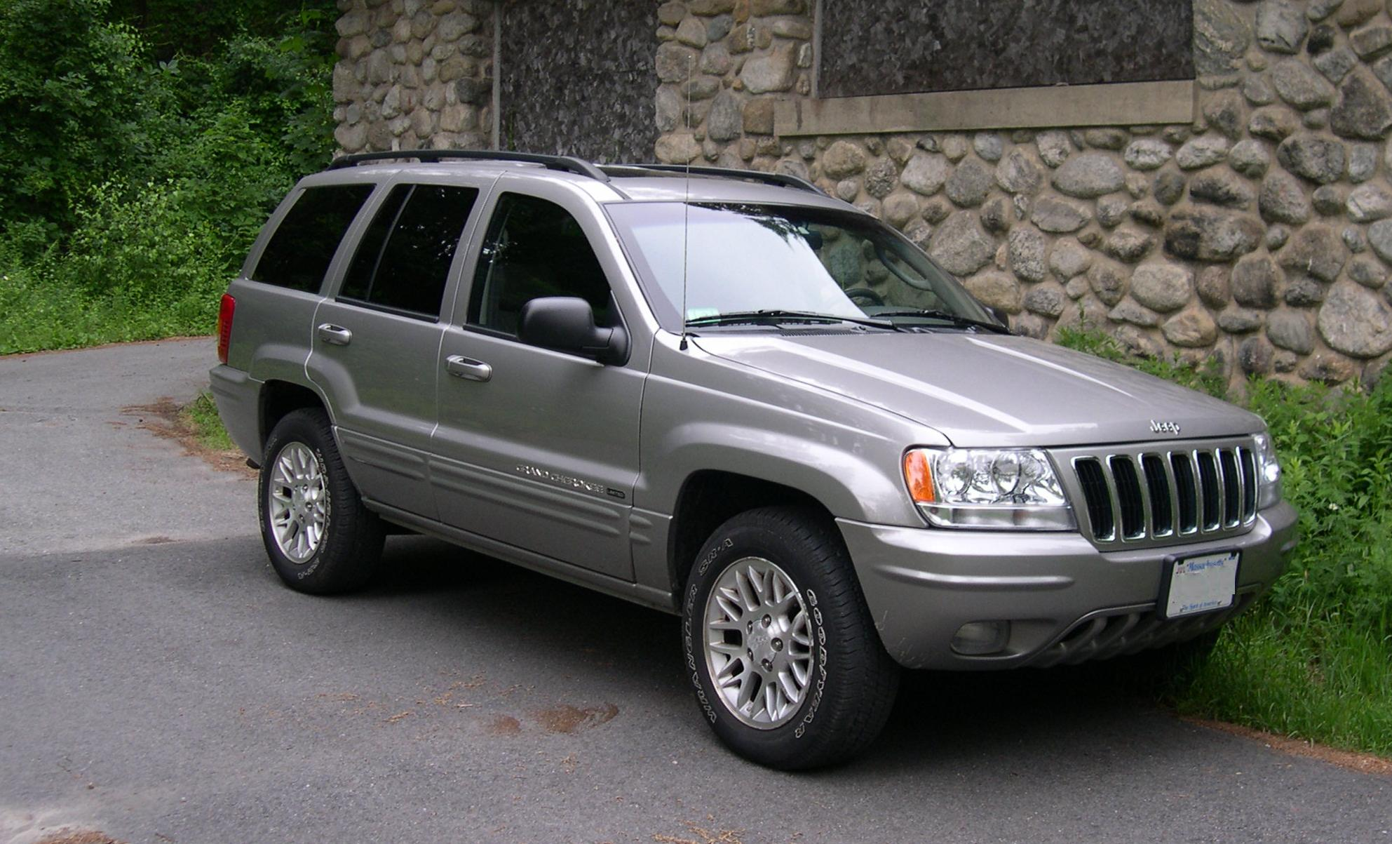 Jeep Cherokee 2000 photo - 1
