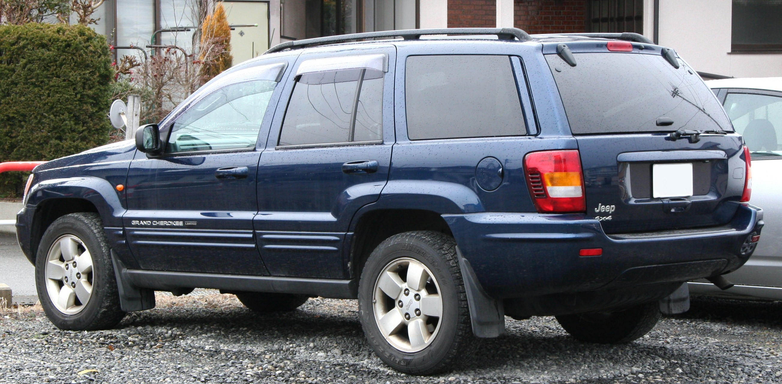 Jeep Cherokee 2005 photo - 2