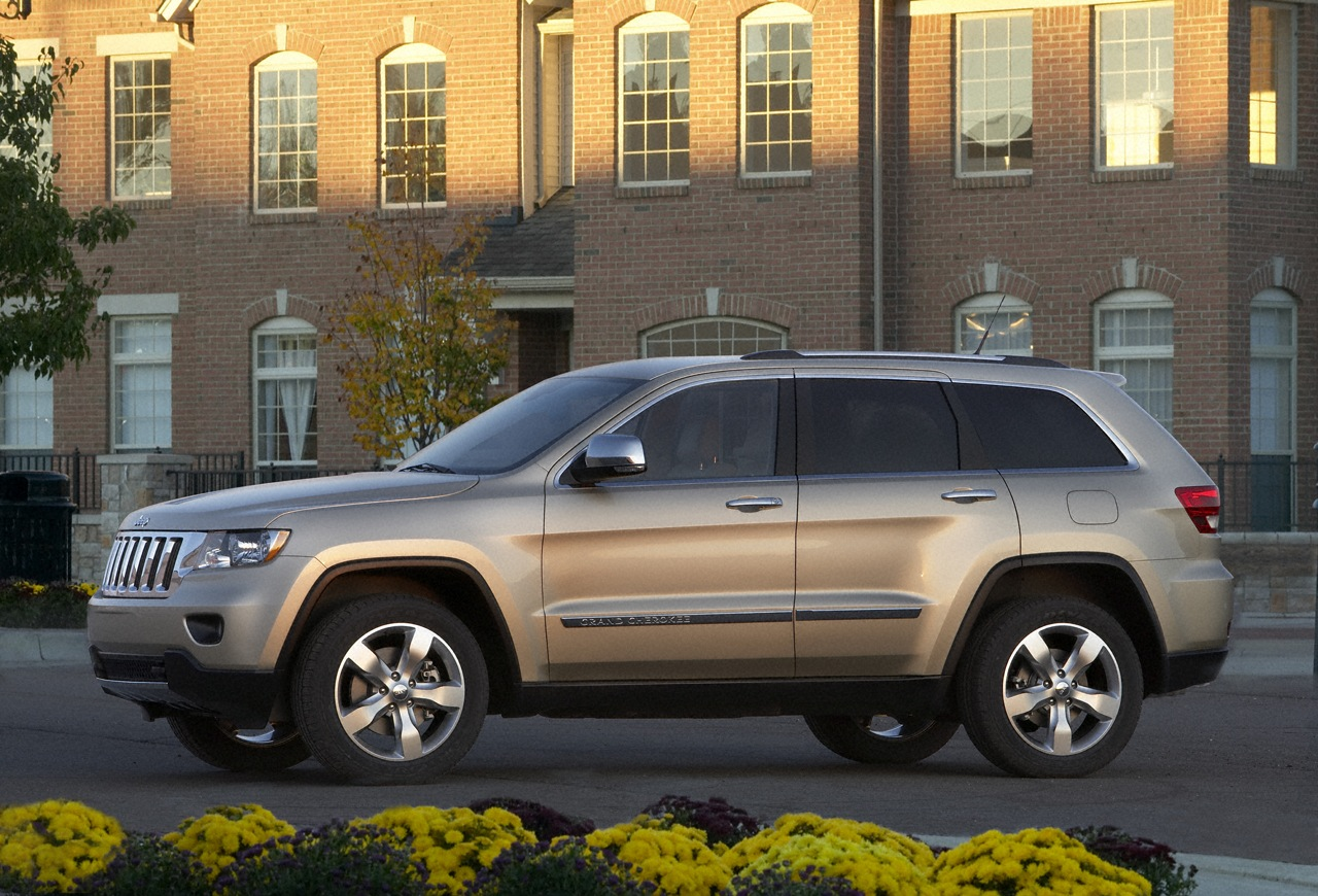 Jeep Cherokee 2011 photo - 2