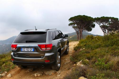 Jeep Cherokee 2013 photo - 3