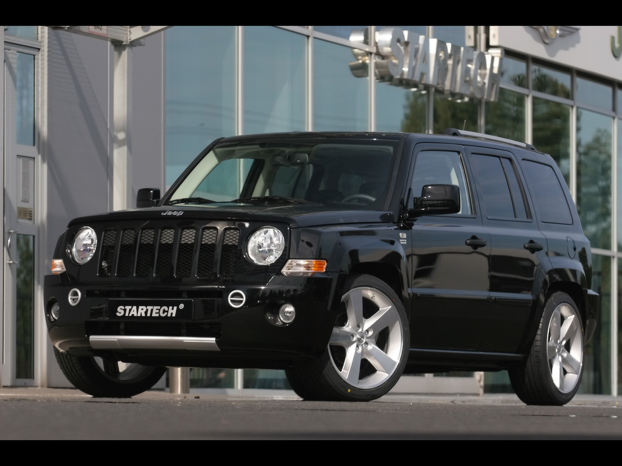 Jeep Patriot 2004 photo - 3