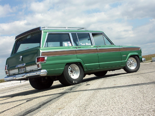 Jeep Wagoneer 1982 photo - 3