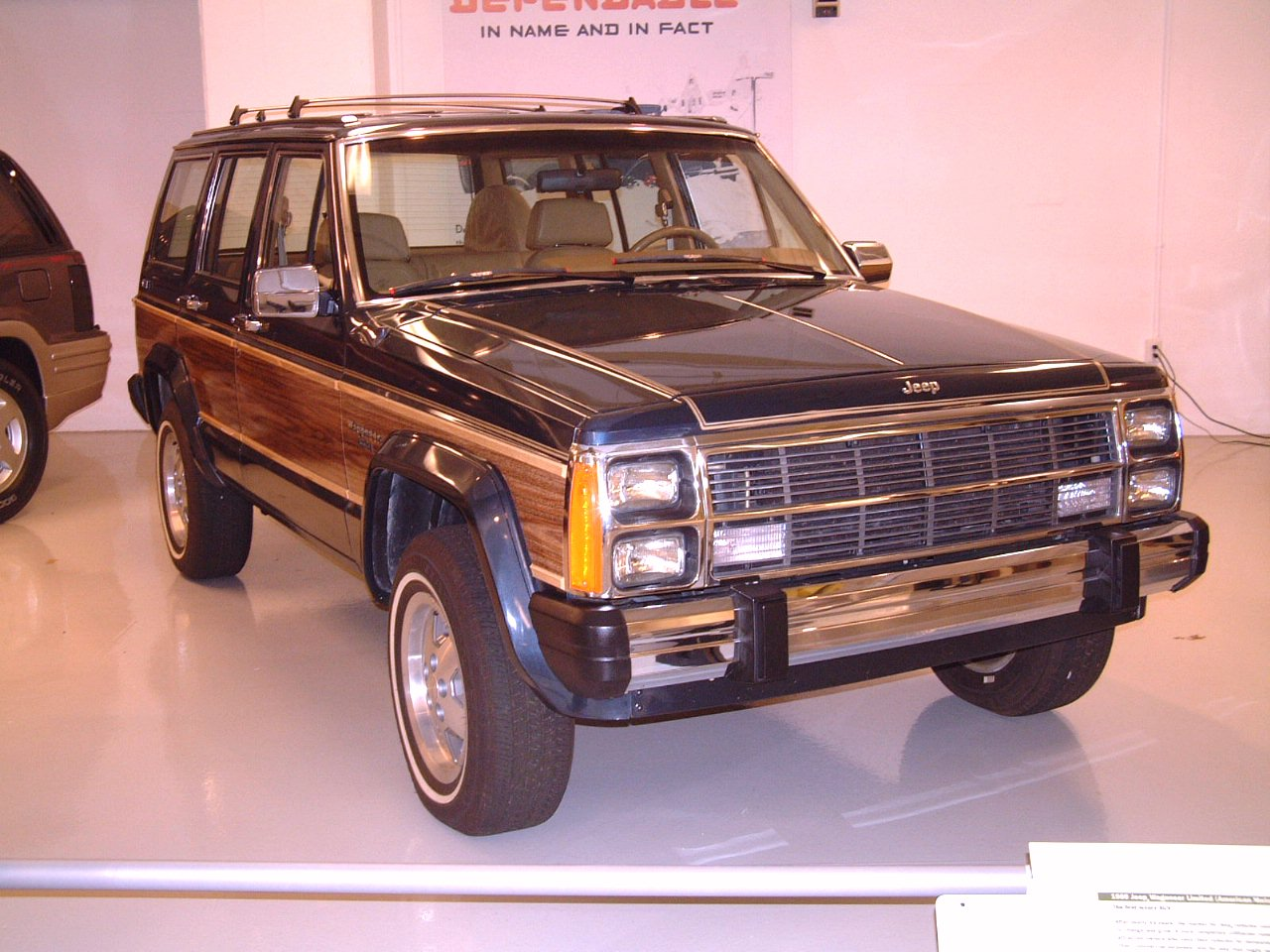 Jeep Wagoneer 1989 photo - 2