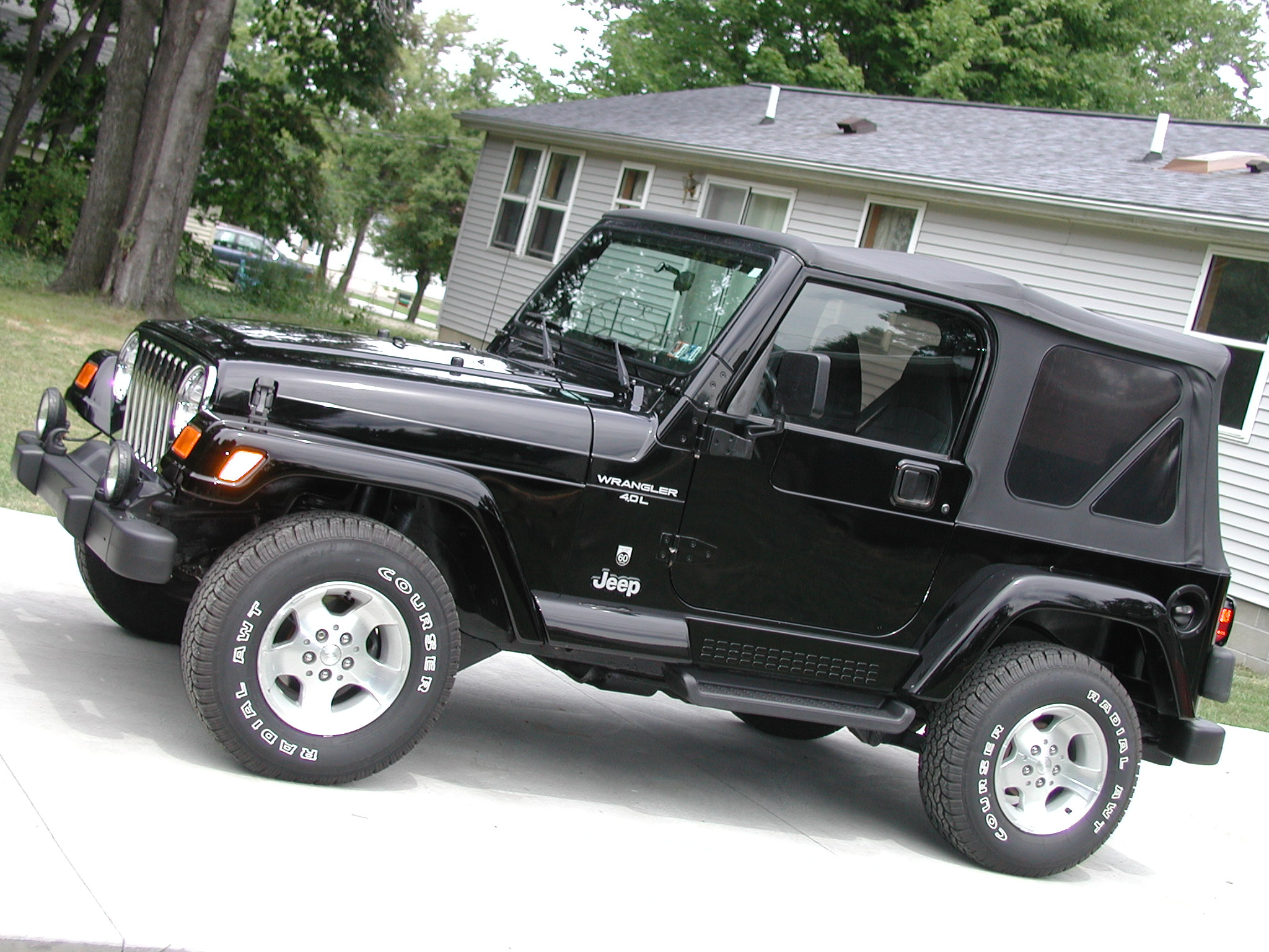 Jeep Wrangler 2005 photo - 2