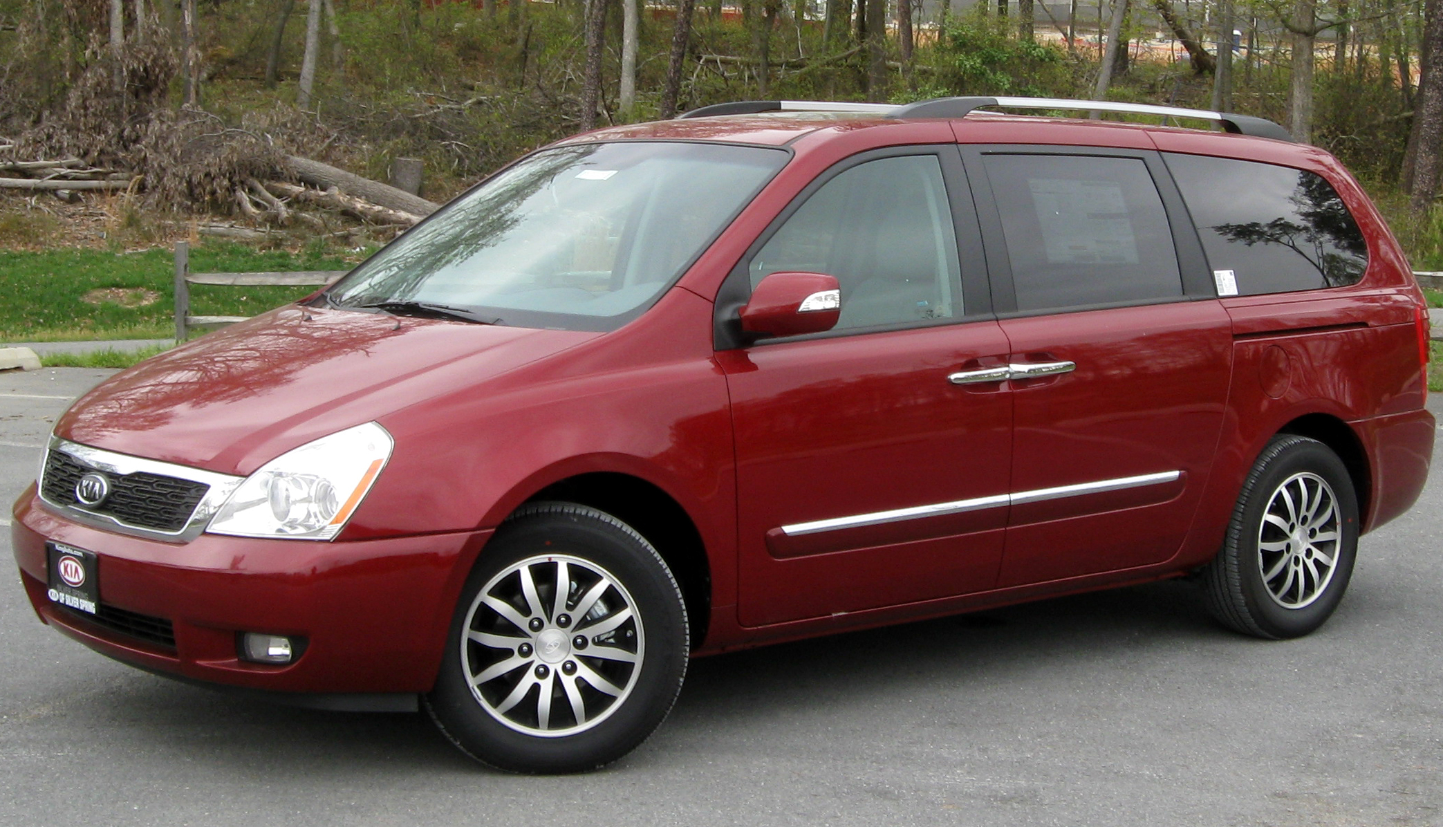 Kia Sedona 2001 photo - 2