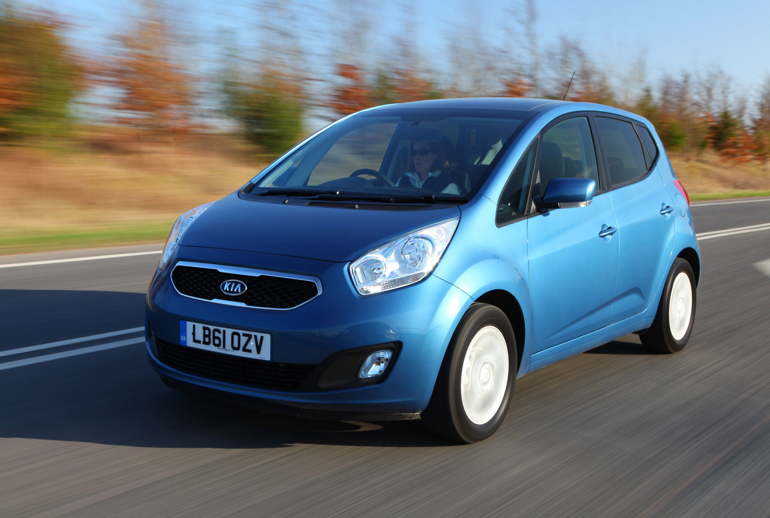 Kia Venga 2012 photo - 2