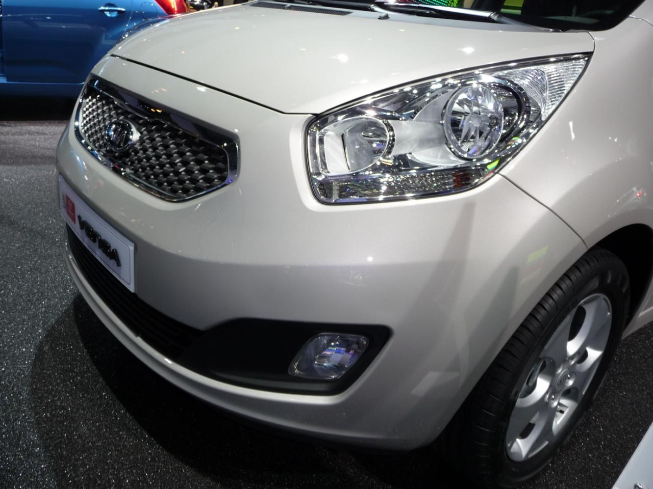 Kia Venga 2012 photo - 3