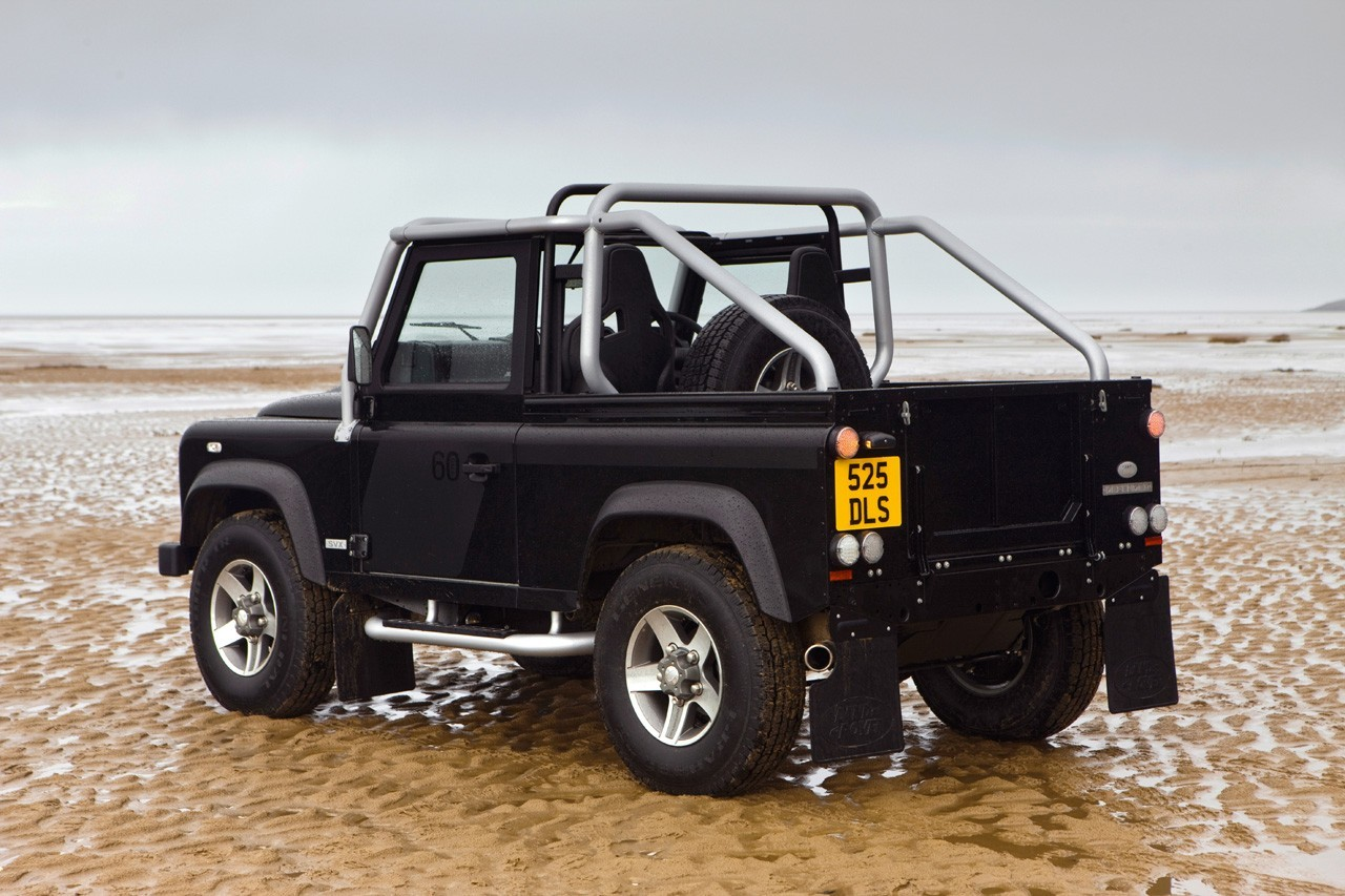 Land Rover Defender 1996 photo - 3