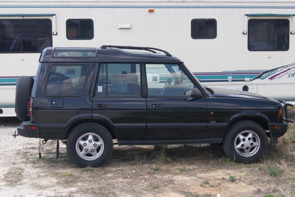Land Rover Discovery 1998 photo - 1