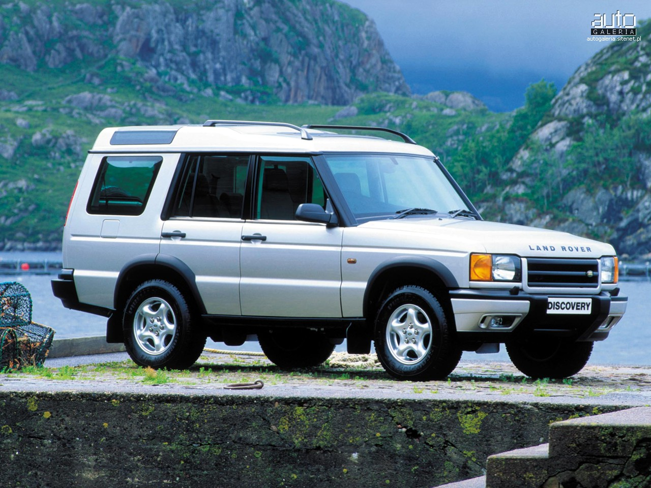 Land Rover Discovery 2000 photo - 3