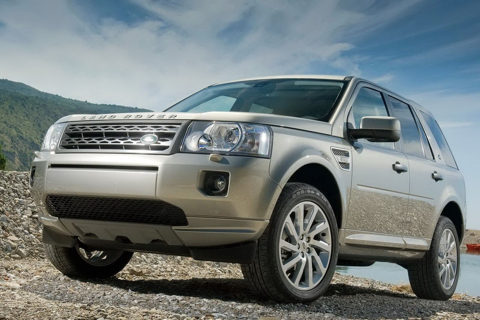 Land Rover Freelander 2011 photo - 3