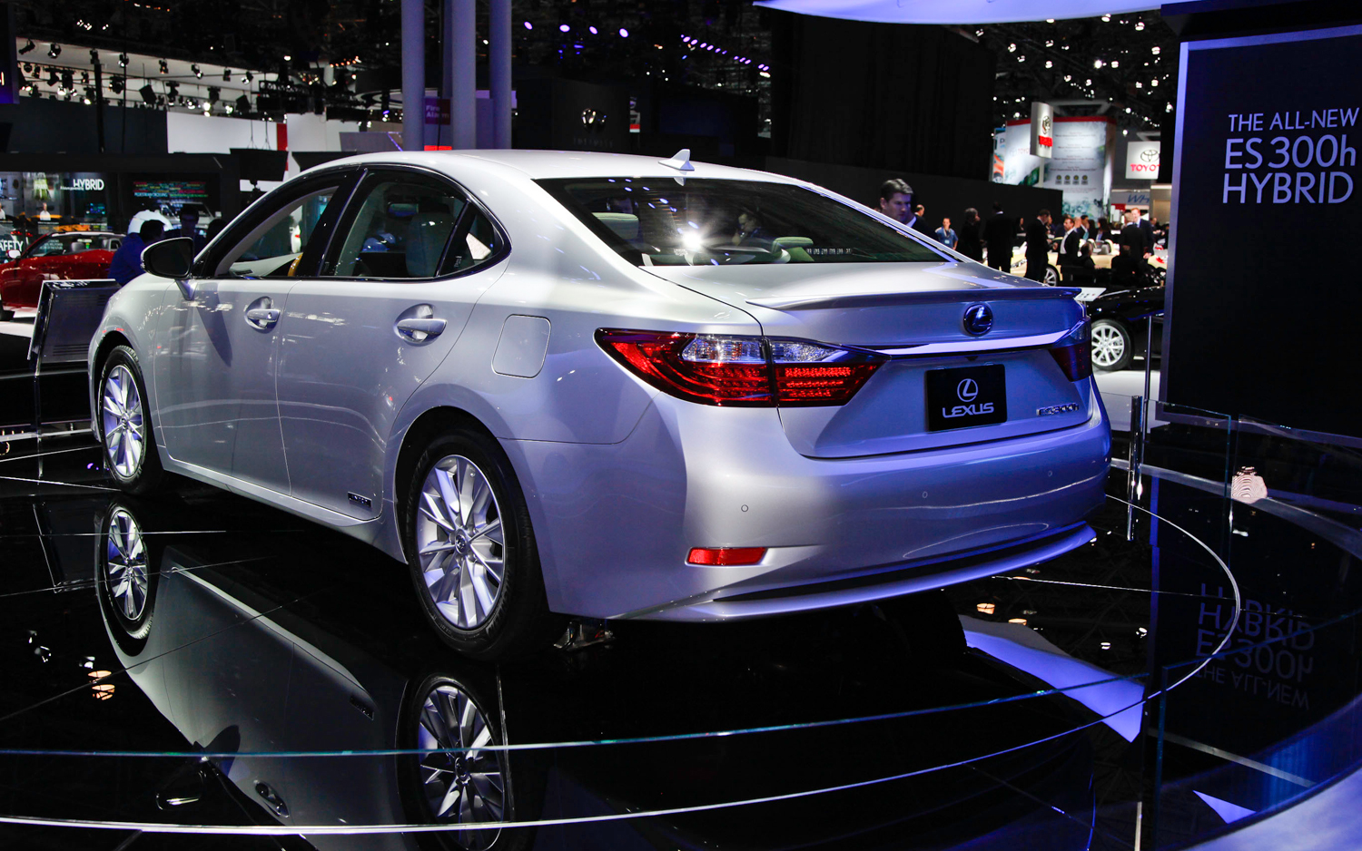 Lexus ES 2014 photo - 1