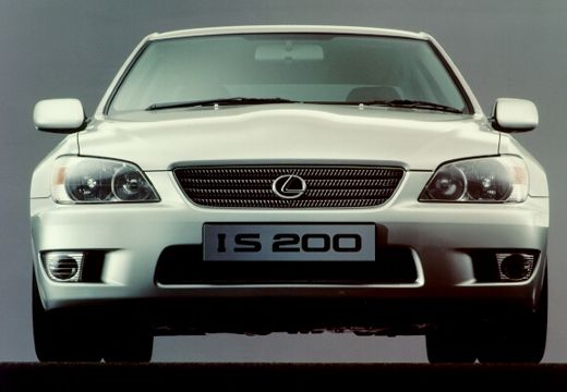 Lexus IS 200 2001 photo - 5