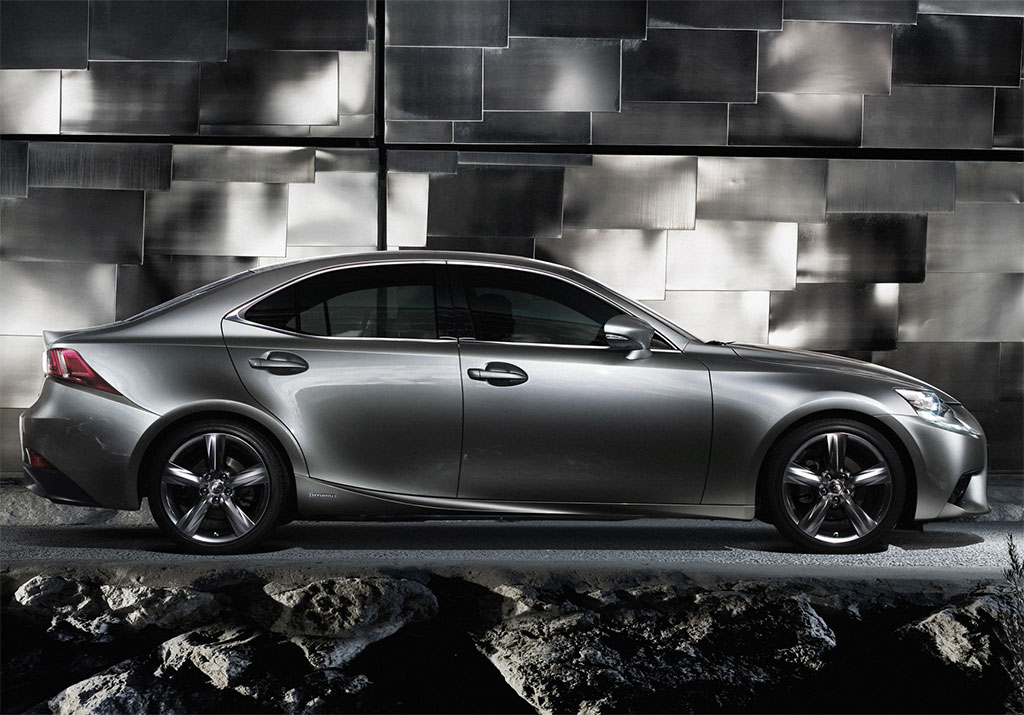 Lexus is 250 2015 photo - 1