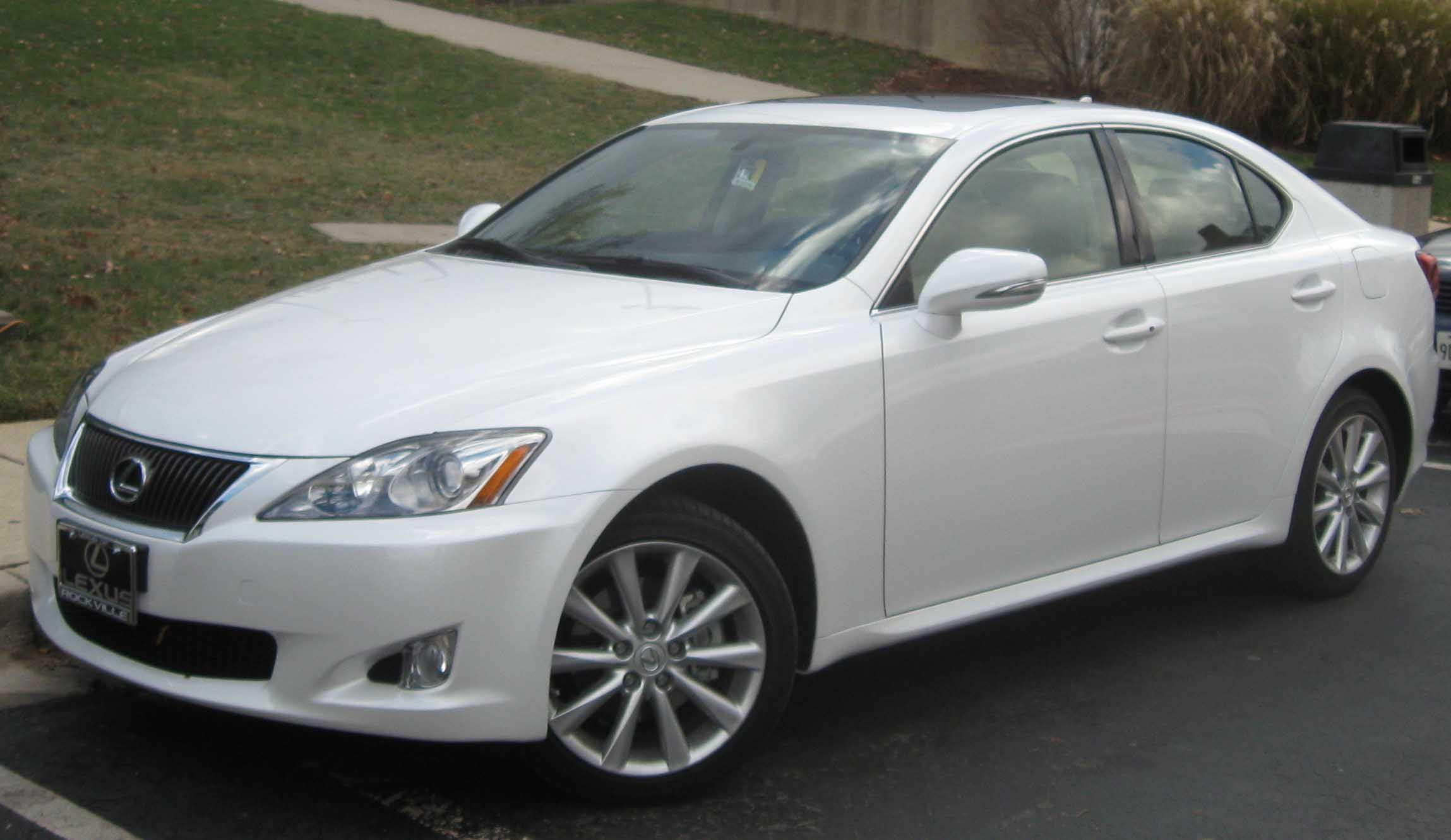 Lexus is 300 2010 photo - 3
