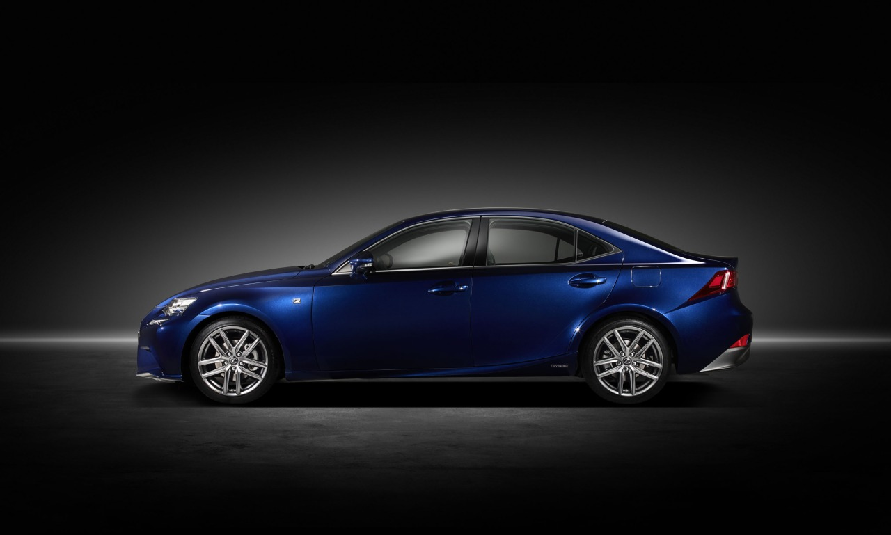 Lexus IS 300 2013 photo - 5