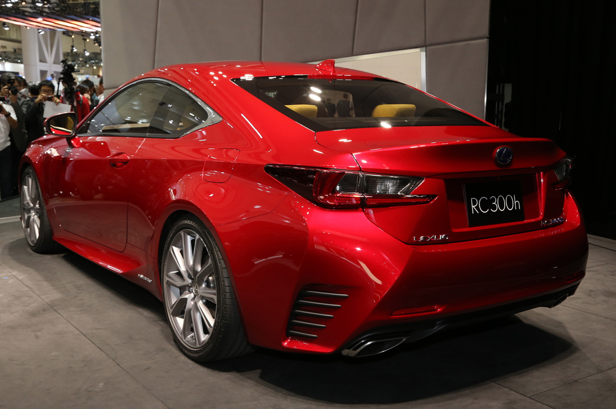 Lexus is 300 2015 photo - 3