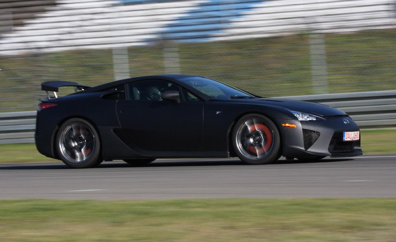 Lexus LFA 2014 photo - 4