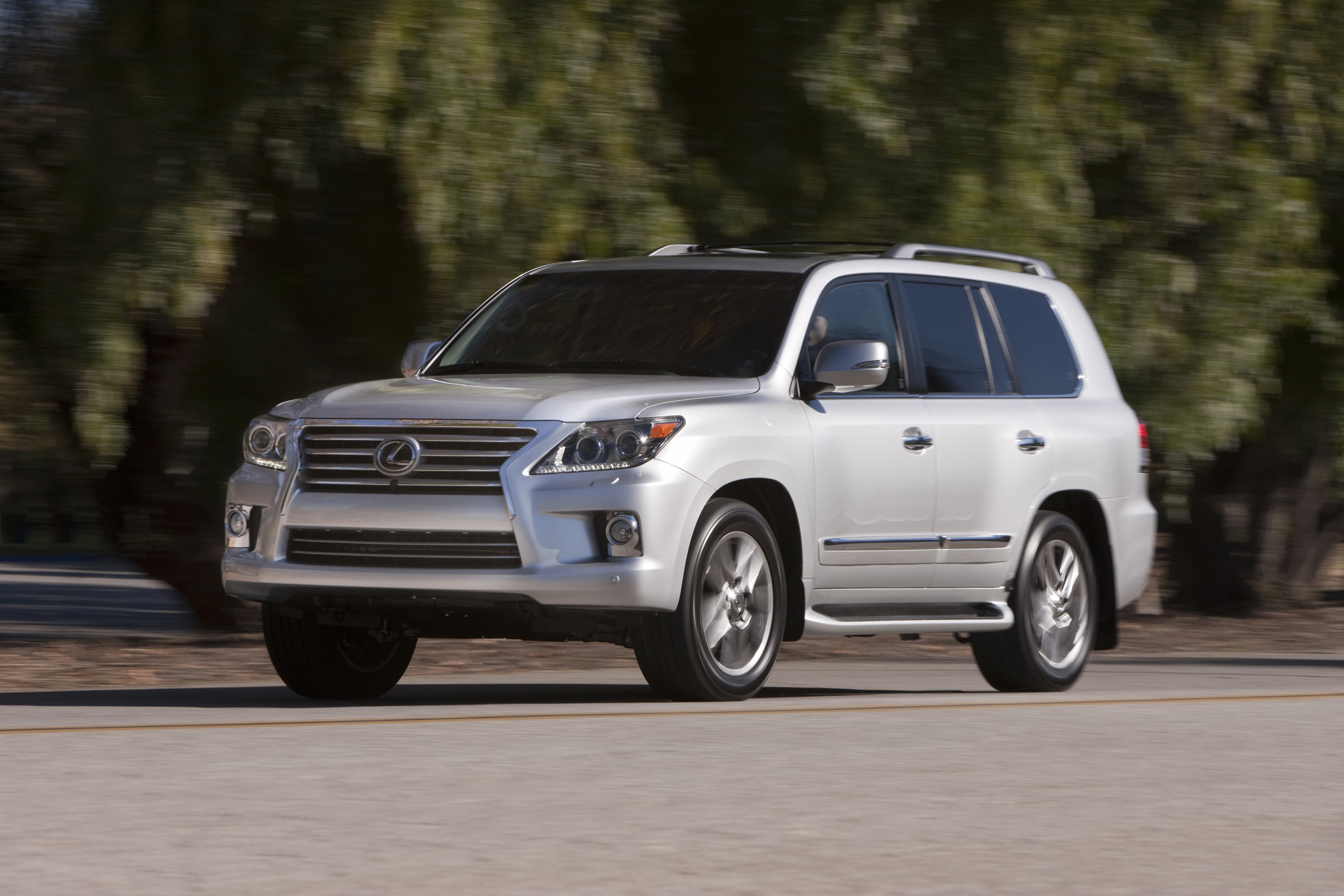 Lexus LX 2006 photo - 4