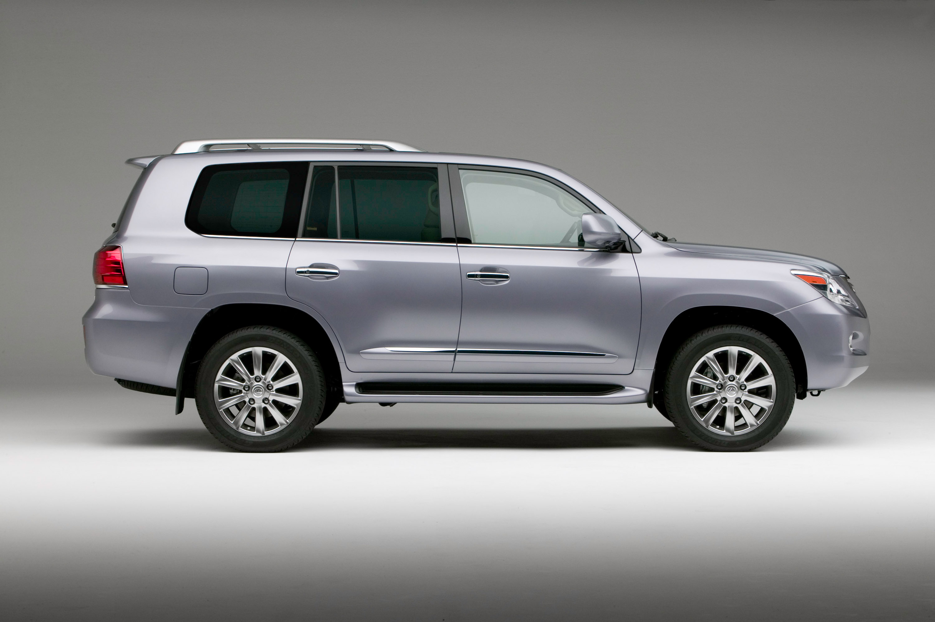 Lexus LX 2010 photo - 3