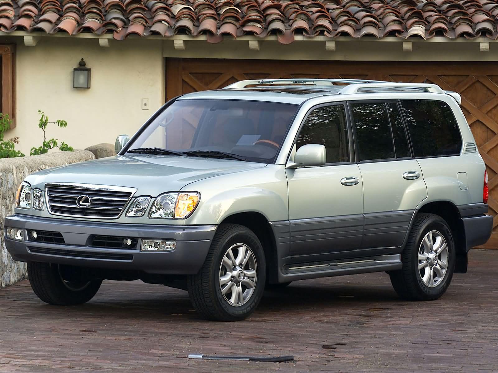 Lexus LX 470 1999 photo - 1
