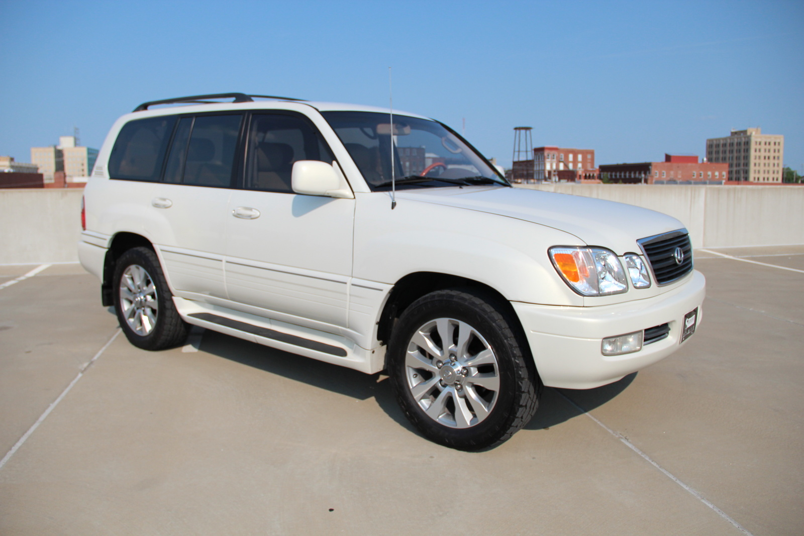 Lexus LX 470 1999 photo - 5